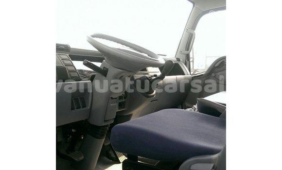 Buy Import Mitsubishi Carisma White Car in Import - Dubai in Malampa