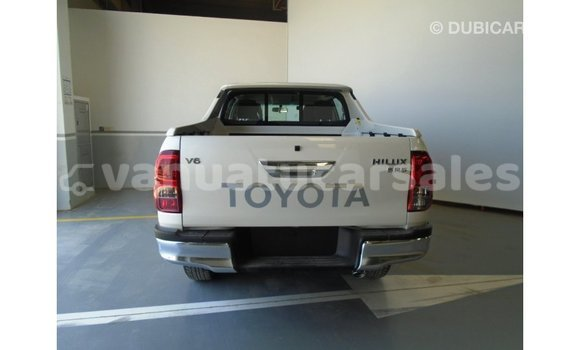 Buy Import Toyota Hilux White Car in Import - Dubai in Malampa