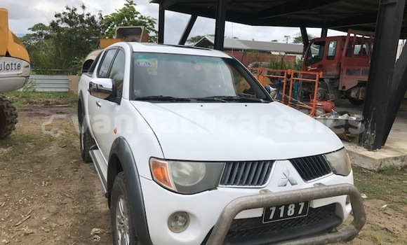 Buy Used Mitsubishi Sportero Other Car in Lakatoro in Malampa