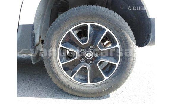 Buy Import Renault Duster White Car in Import - Dubai in Malampa