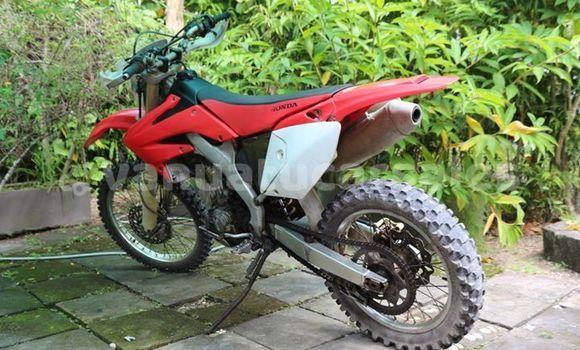 Buy Used Honda CRV Other Car in Port Vila in Shefa