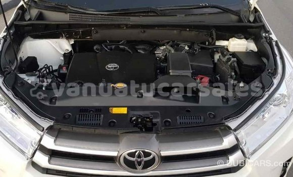 Buy Import Toyota Highlander White Car in Import - Dubai in Malampa