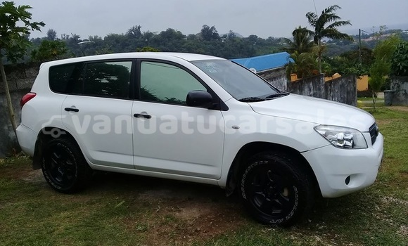 Buy Used Toyota RAV4 White Car in Port Vila in Shefa