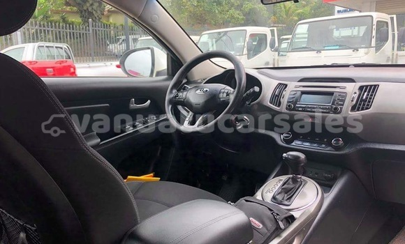 Buy Used Kia Sportage White Car in Port Vila in Shefa