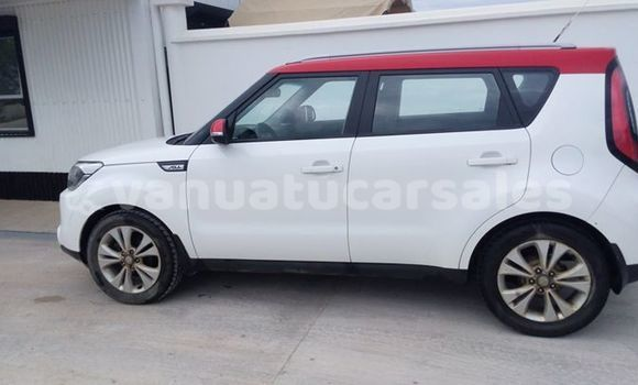 Buy Imported Kia Soul White Car in Port Vila in Shefa